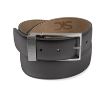 Black shiny leather belt with opaque buckle