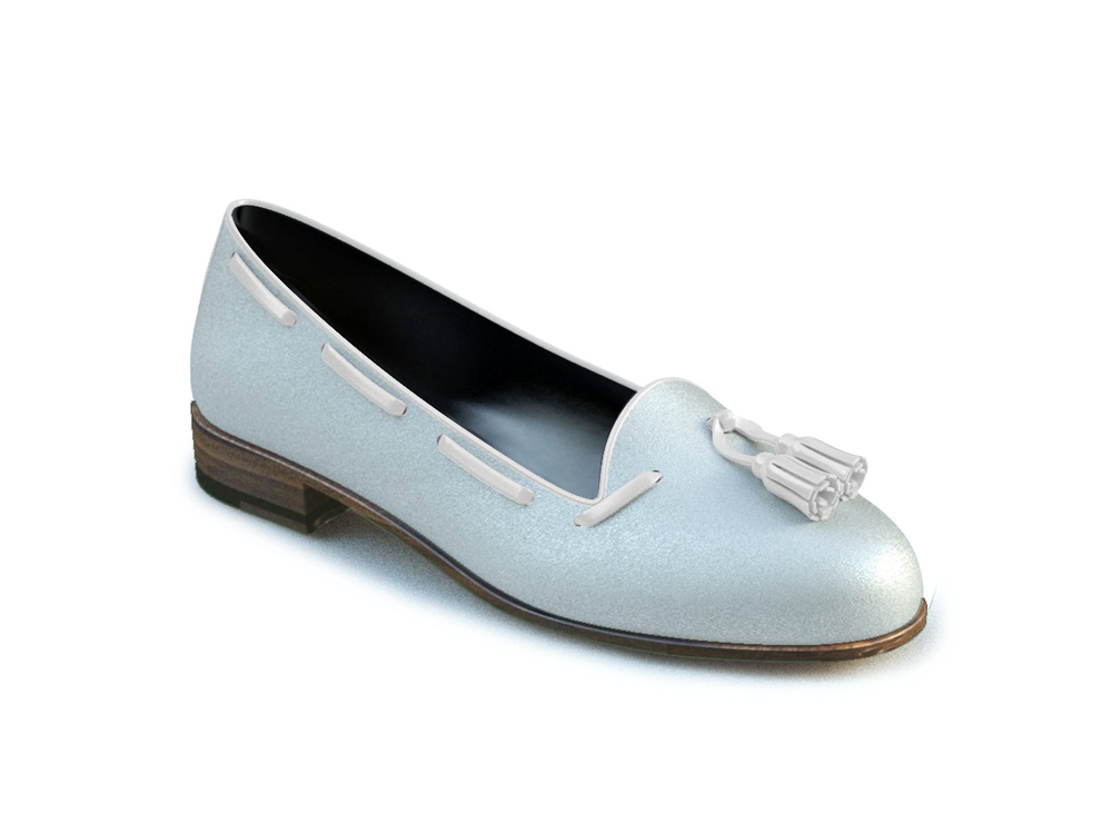 white laminated women mocassin